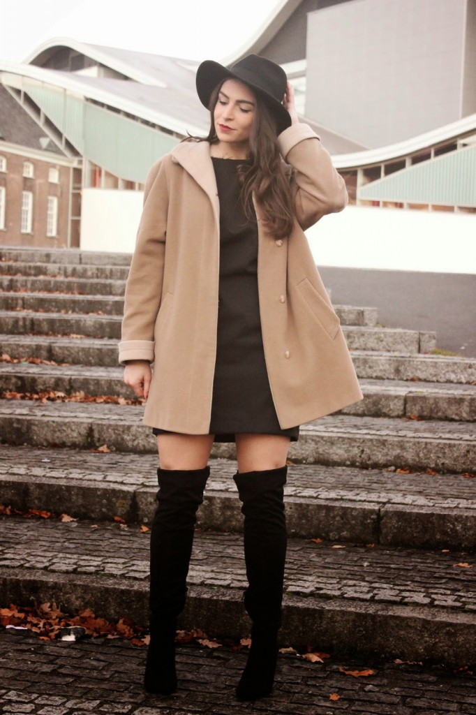 Outfit | Knee-boots here