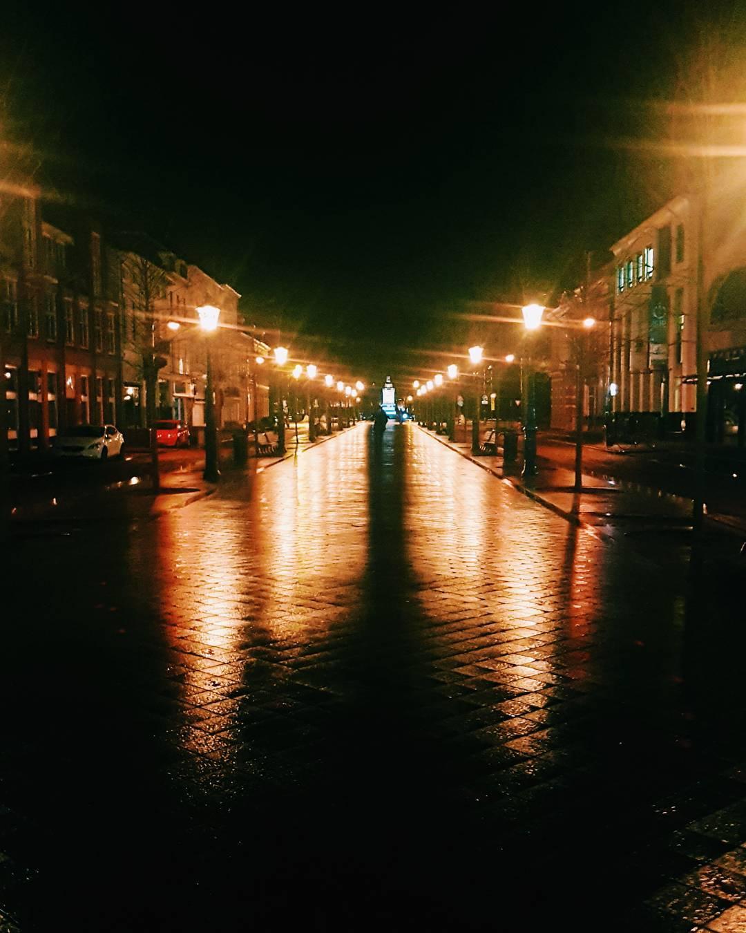 city lights Continue Reading rarr