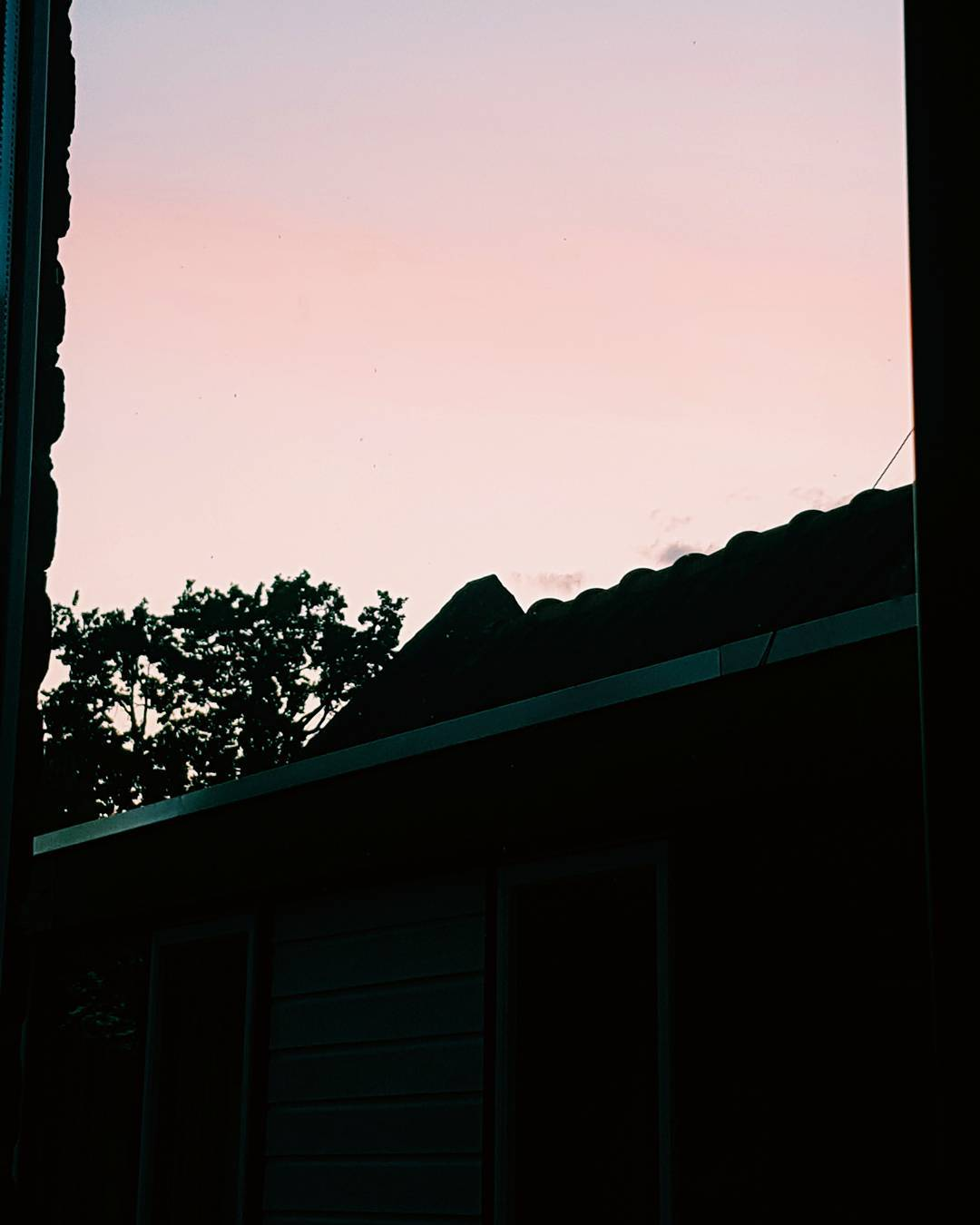missing those pretty pink sunsets Continue Reading rarr